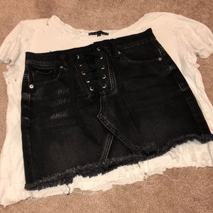 FULL OUTFIT! DISTRESSED TOP AND F21 DENIM SKIRT